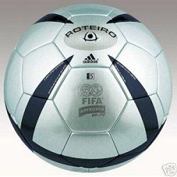 Roteiro, le ballon de l'Euro 2004