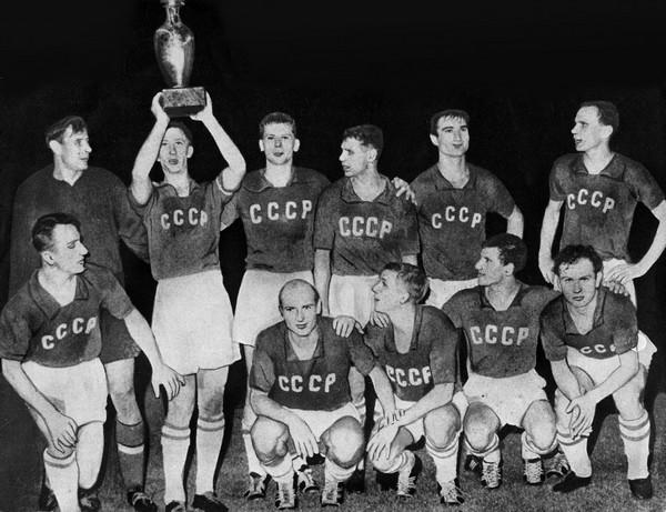 l'équipe soviétique vainqueur de l'Euro 1960 en France