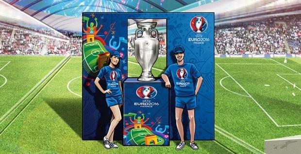 Le trophée de l'Euro 2016 part en voyage