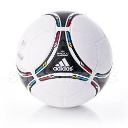Tango 12, le ballon de l'Euro 2016