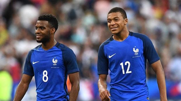 Lemar et Mbappé représentent le futur de l'équipe de France